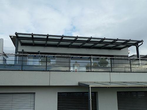 Dach, 8m freitragend mit Beschattung