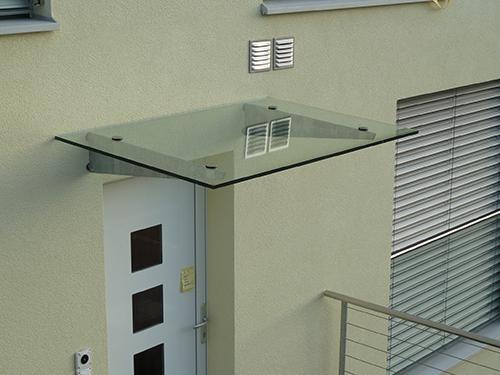 Glasdach auf verzinkten Stahlschwertern